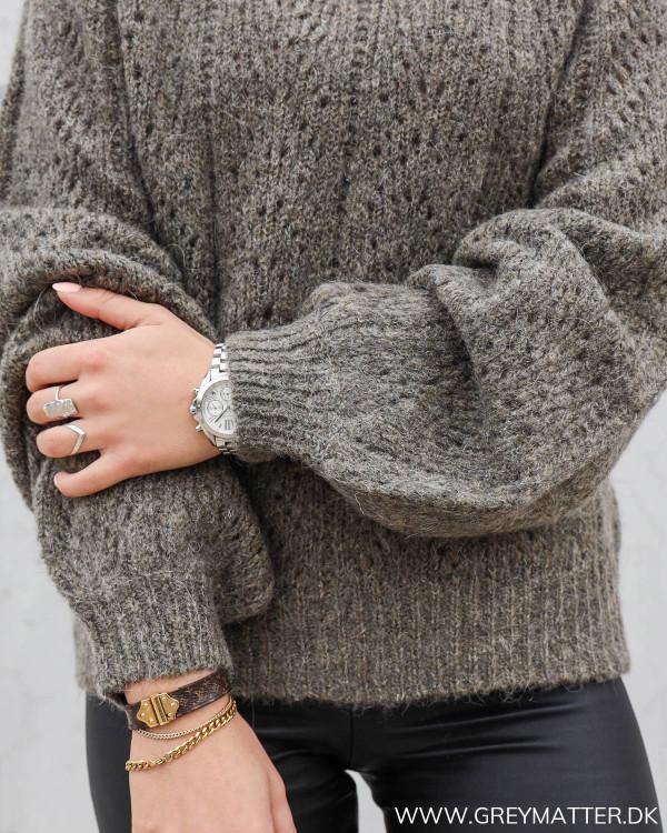 Lækker sweater til damer fra YAS