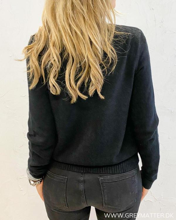 Viril Short Black Knit Cardigan