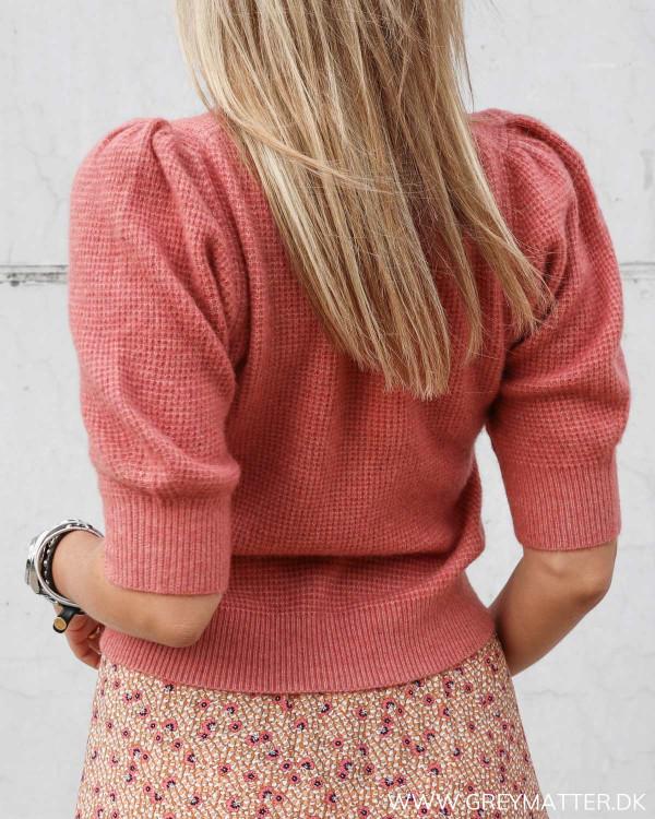 Neo Noir strik bluse med korte ærmer i farven rose melange