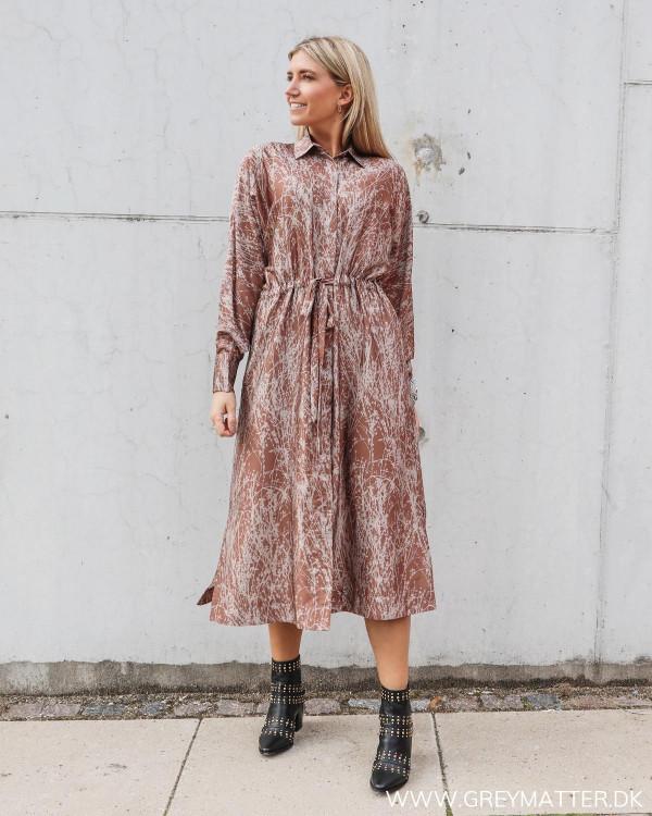 Amelia kjole fra Karmamia i smukt print