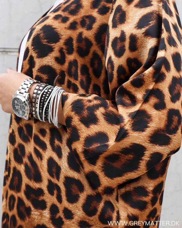 Kimono fra Karmamia Cph. med leopard print