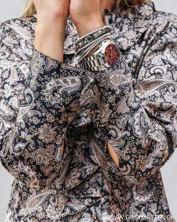 Skjorte med print og ruffle