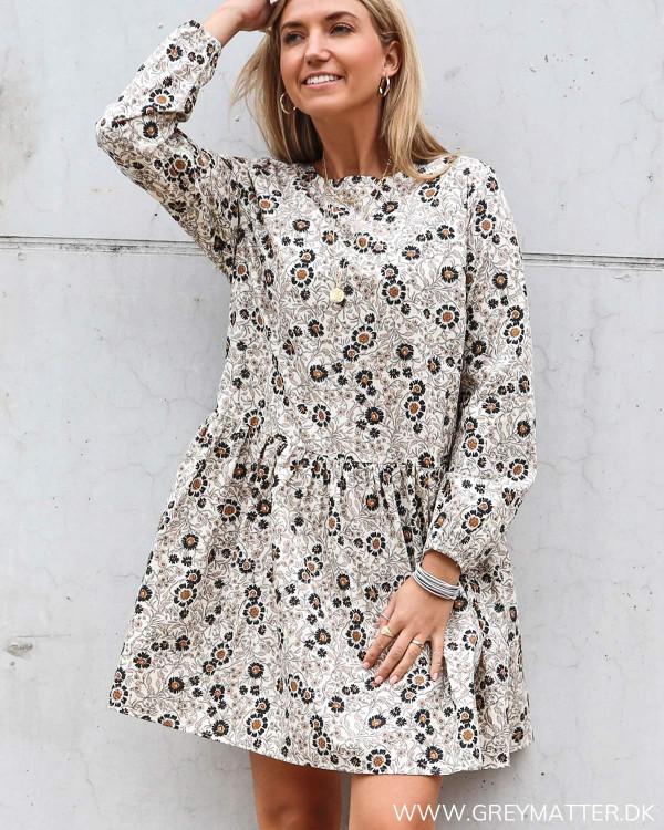 Tunika kjole fra Vila med flotte farver