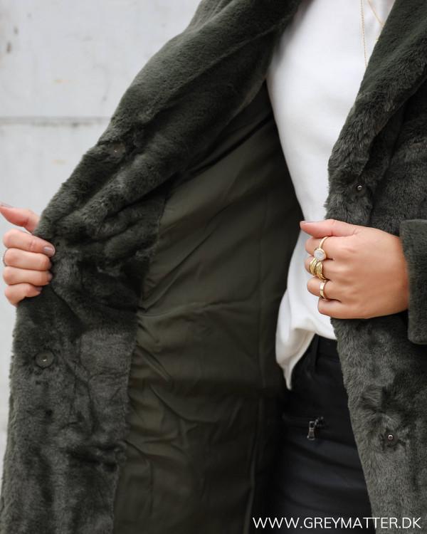 Blød faux fur frakke fra Vila i grøn