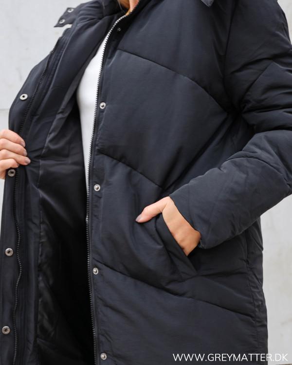 Sort frakke til damer fra Neo Noir