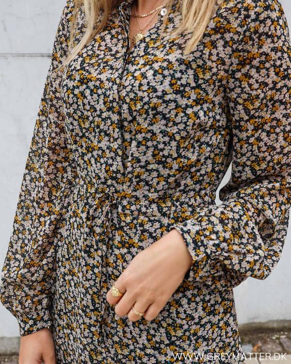 Lækker kjole fra Vila med blomsterprint