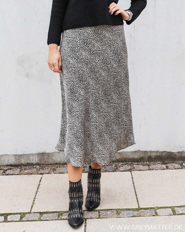 Neo Noir nederdel i sort hvidt print