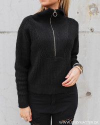 Yasmarilyn Black Zip Knit Pullover