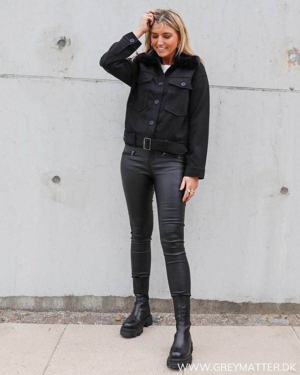 Sort jakke fra Pieces a la Meotine populære jakke
