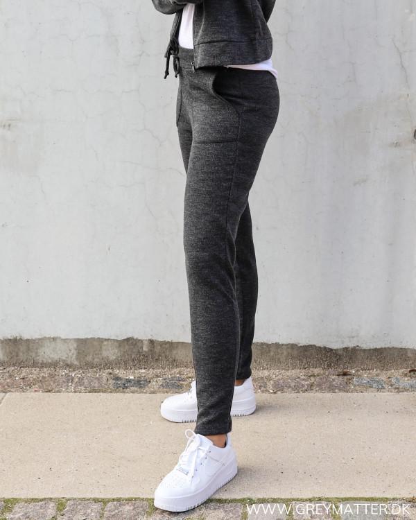 Bukser i grå fra Vila til damer