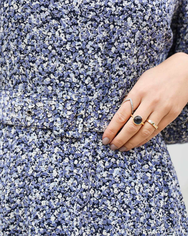 Blomsterprint på Pieces kjole