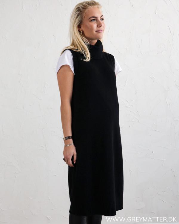 Viril Viril Long Black Knit Vest