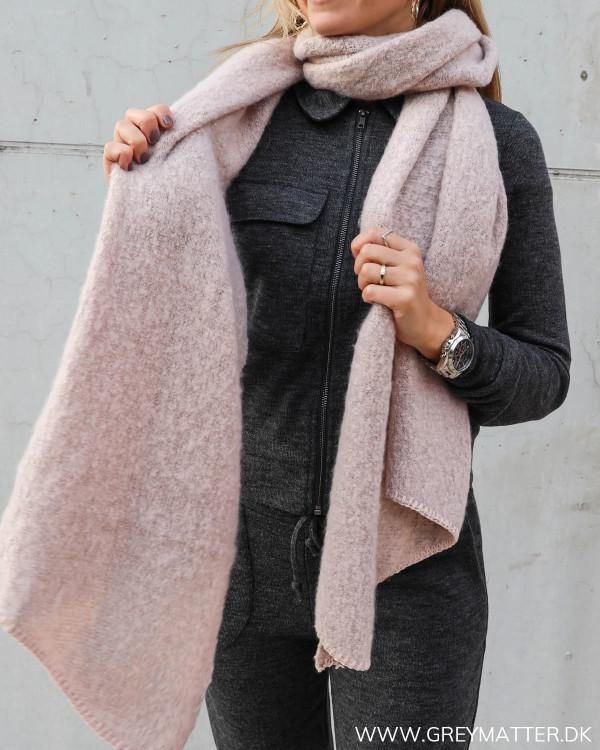 Lyserødt tørklæde til kvinder fra Pieces