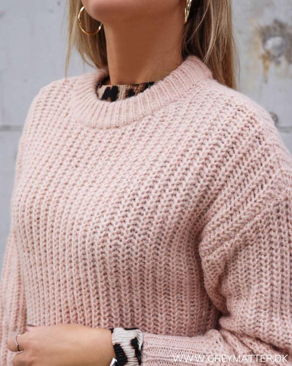 Vila strik i lyserød til trendy kvinder