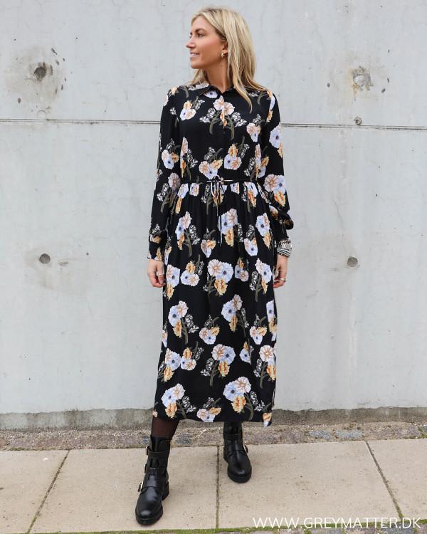 Pieces kjole i viskose med bindebånd i taljen
