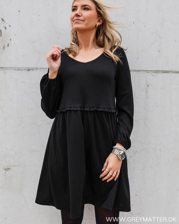 Sort kjole fra Vila i lækker jersey kvalitet