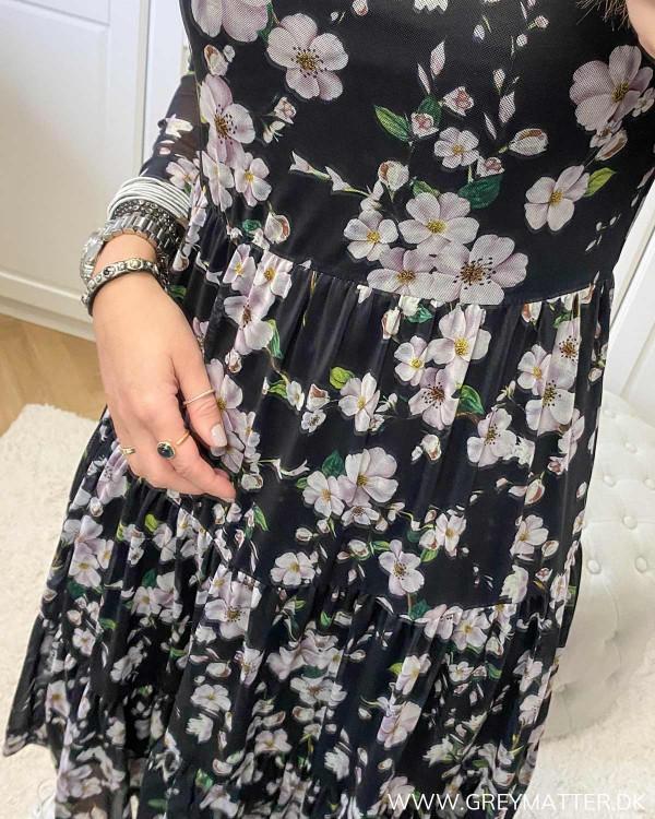 Vila blomsterprint kjole