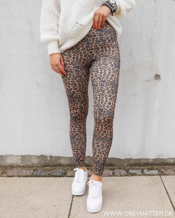 Leopard leggings i sporty stil