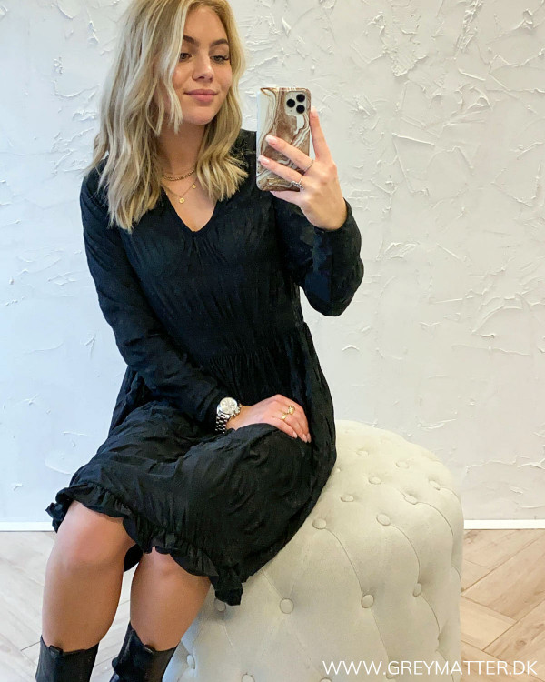 Langærmet sort kjole fra Pieces