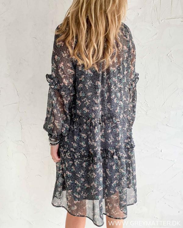Kjole fra Neo Noir med blomsterprint