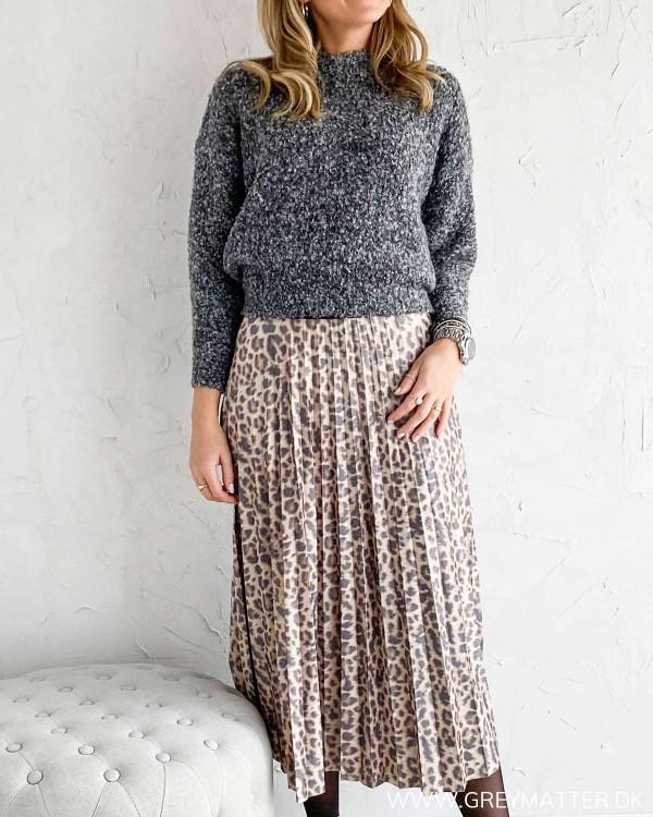 Vila nederdel med plisse og leopard print