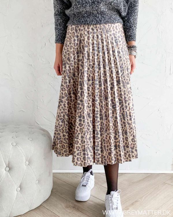 Vila nederdel med plisse