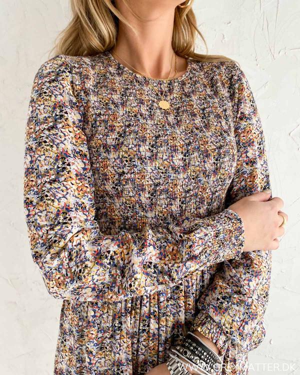 Smuk kjole med print fra Pieces