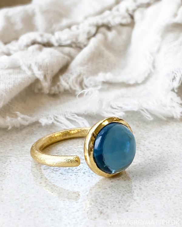 Ring til kvinder med blå sten