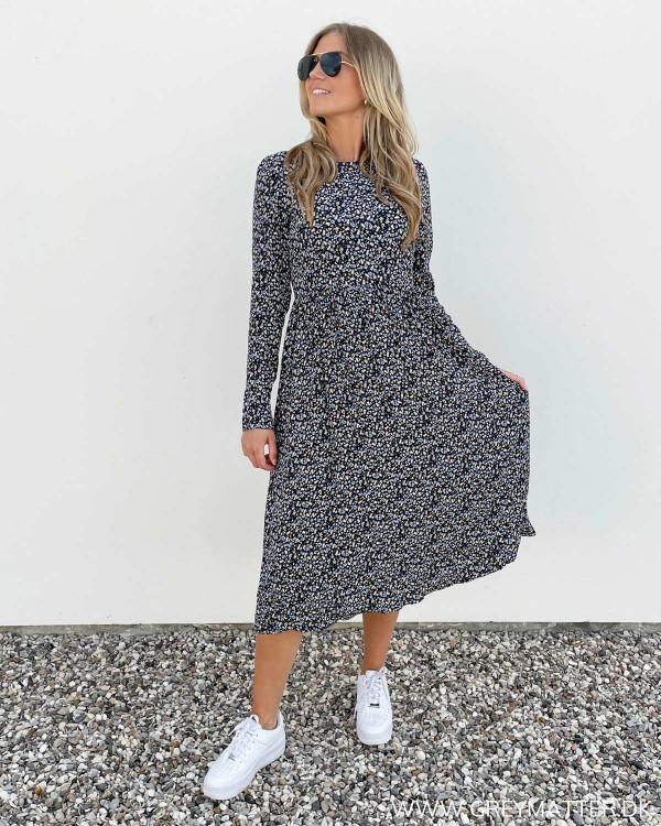 Langærmet kjole med flot print