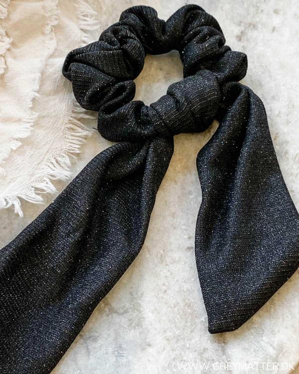 Hår elastik med glimmer i sort