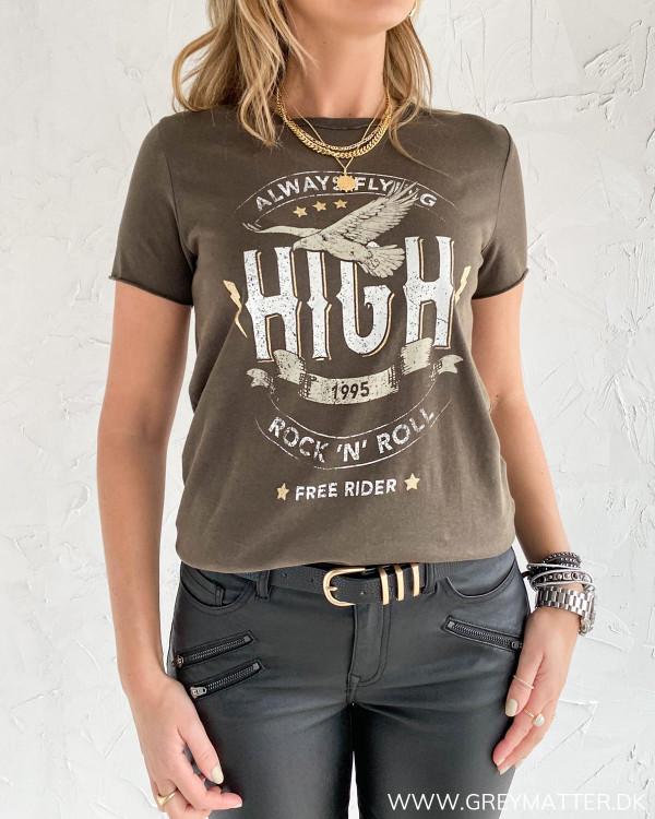 T-shirt fra Only Onllucy med cool print foran