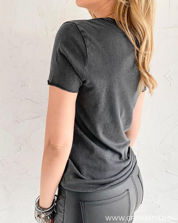 T-shirt i sort med print