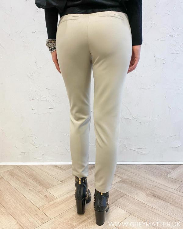 Bukser til damer i lys