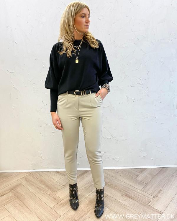 Lyse bukser til damer fra Vila