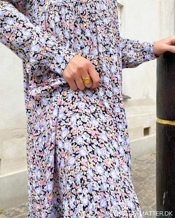 Midi kjole med langt ærme og print
