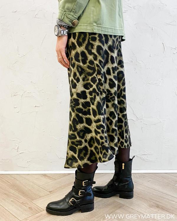 Leopard nederdel fra Neo Noir