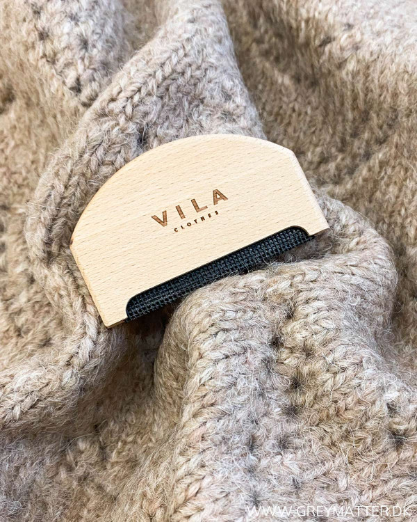 Undgå at tøjet peeler og bliver grimt med en uld kam