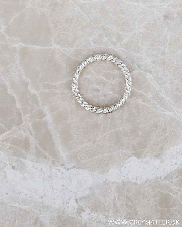 Silver Twisted Minimalism Ring