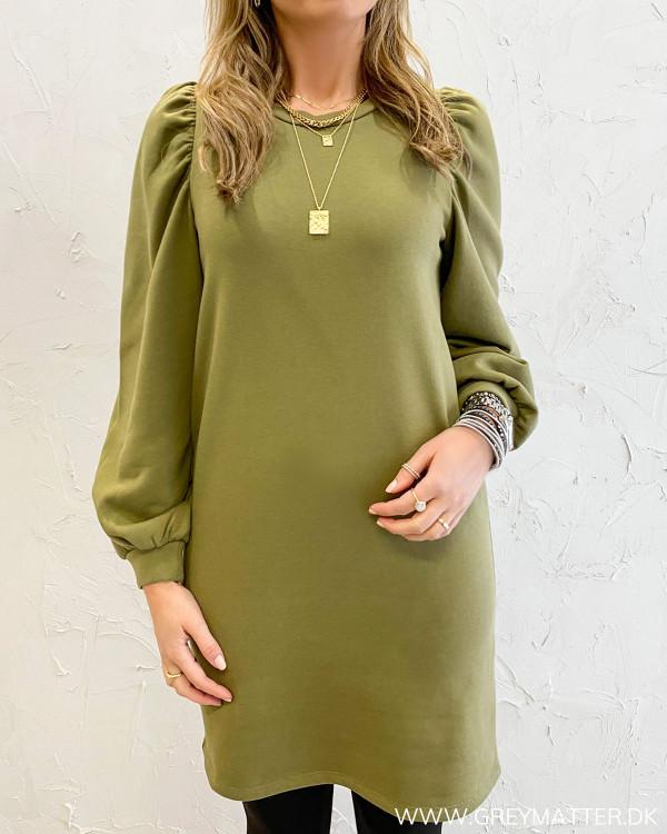Sweat kjole med puf ærmer fra Pieces