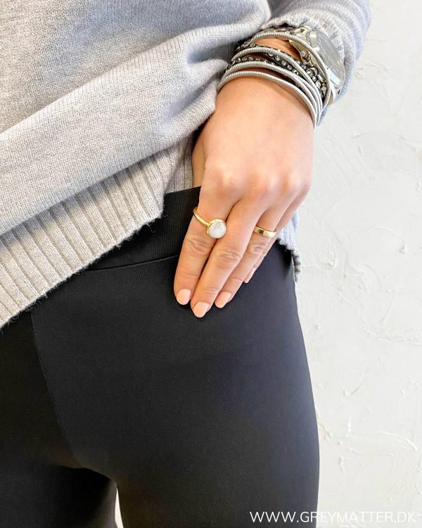 Lækker sort sport leggings med elastik i taljen