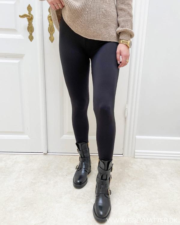 Sorte sports leggings til damer med stretch