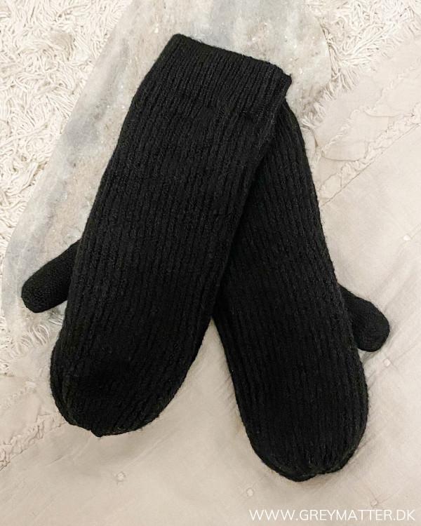 Pcbenilla Black Mittens