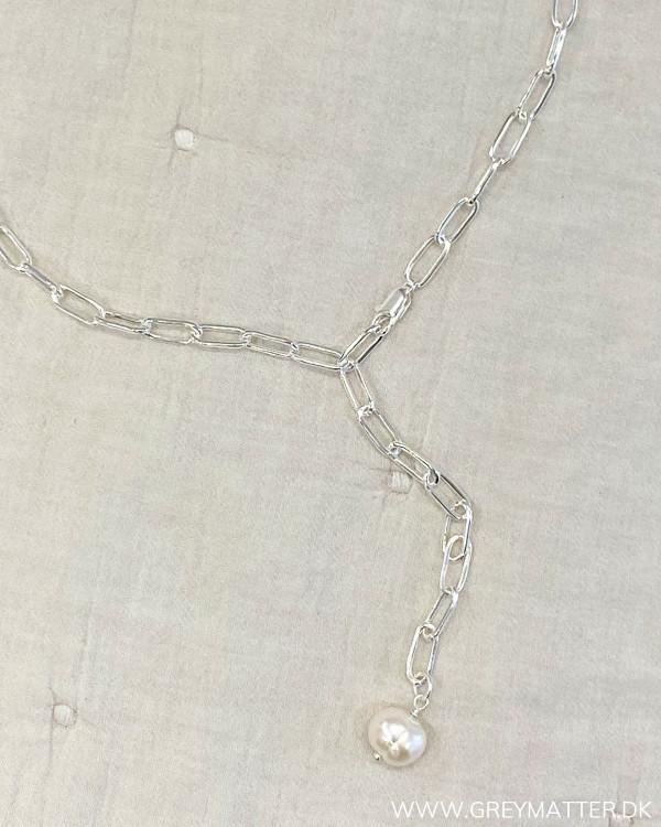 Lænkehalskæde med saltvandsperle i sølv
