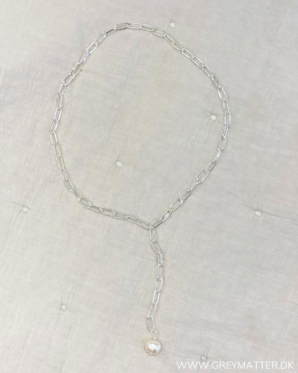 Flot halskæde med saltvandsperle
