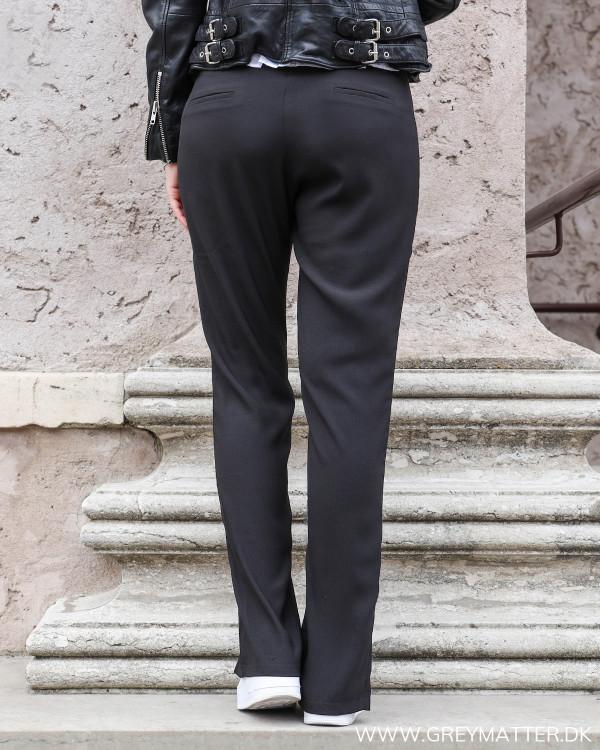 Sorte bukser fra Neo Noir set bagfra