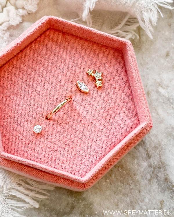 The Four Golden Earrings 02