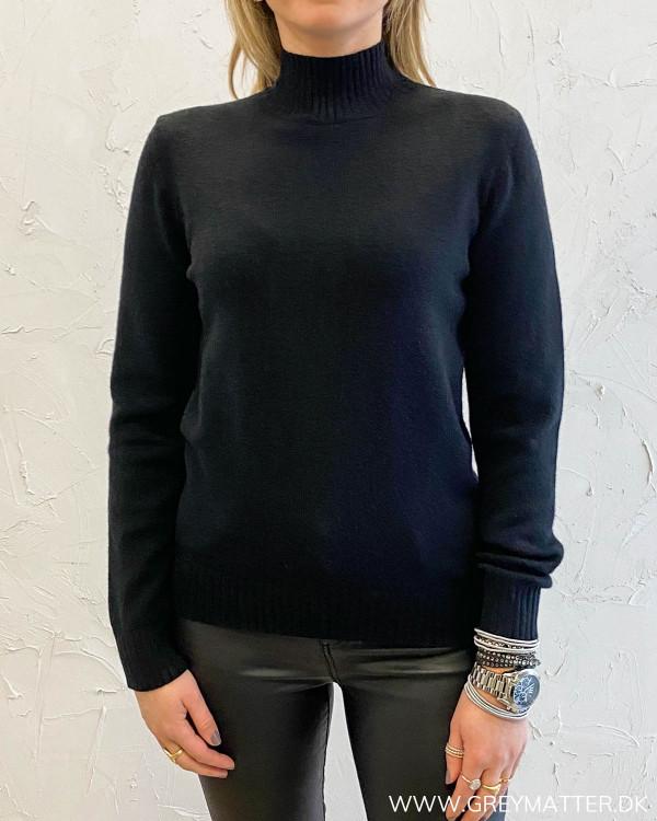 Viril Turtleneck Black Knit