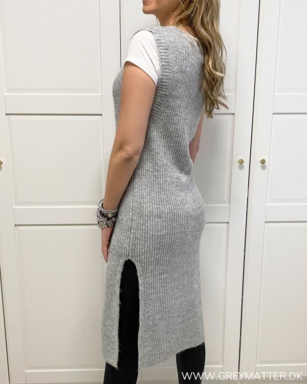 Onlcora Long V-Neck Light Grey Knit Vest