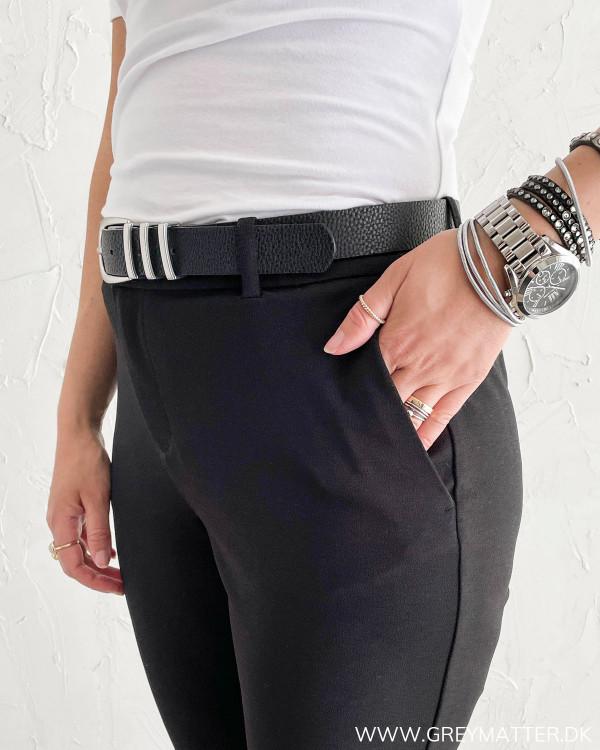 Sorte klassiske bukser til damer