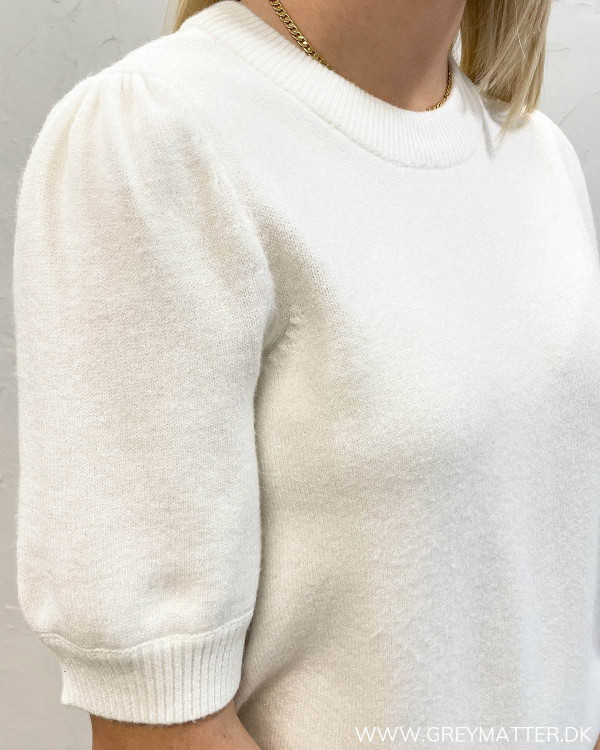 Viril Puff White Alyssum Top